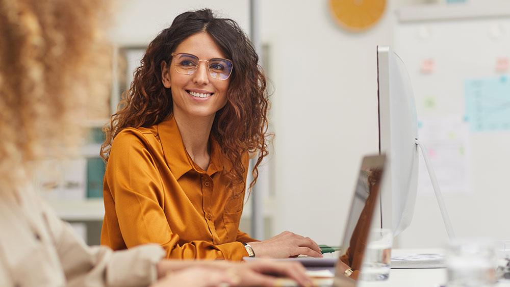 Une femme en train de travailler