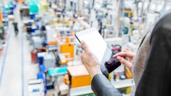 3 approaches for proactive responses to supply chain impacts in manufacturing